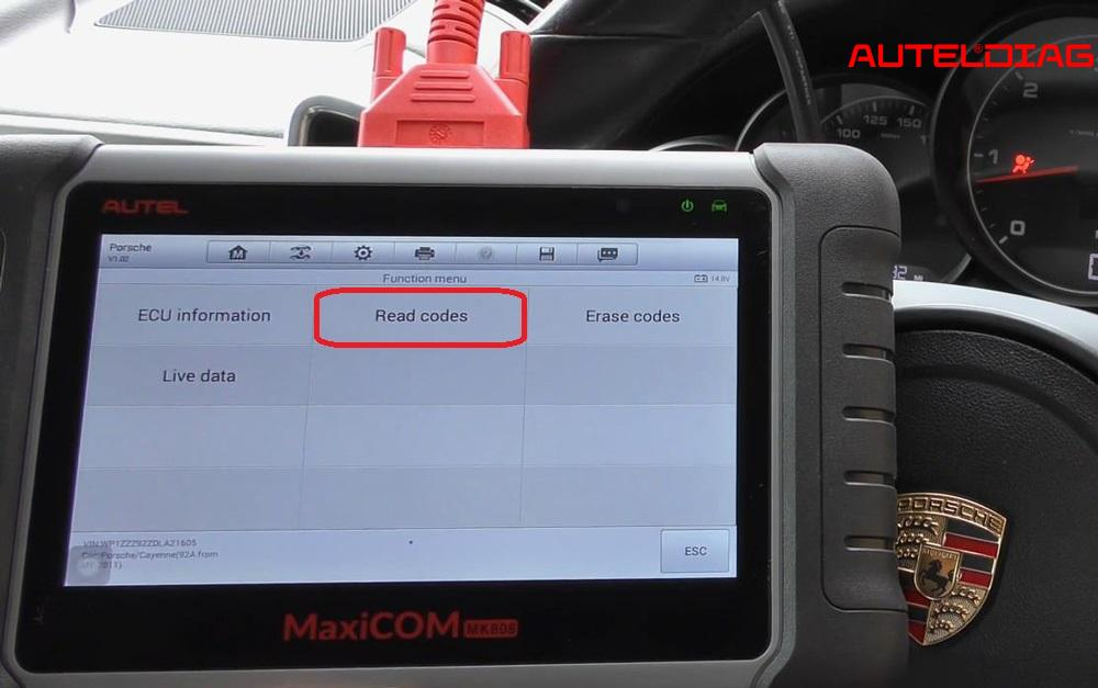 2013 Porsche Cayenne Air Bag Reset Via Autel Mk808 (9)
