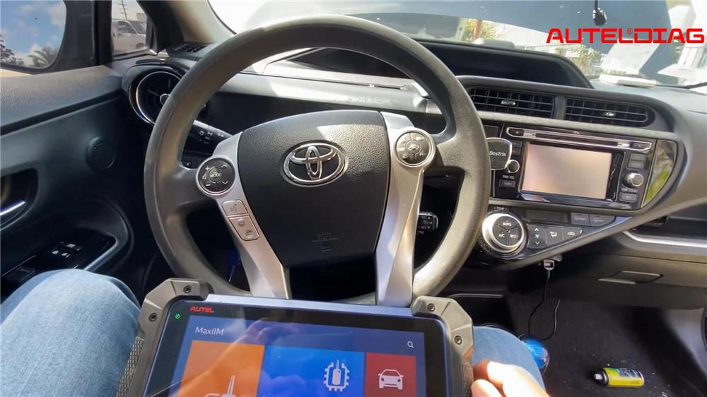 program-2015-toyota-prius-all-key-lost-with-autel-im608 (1)